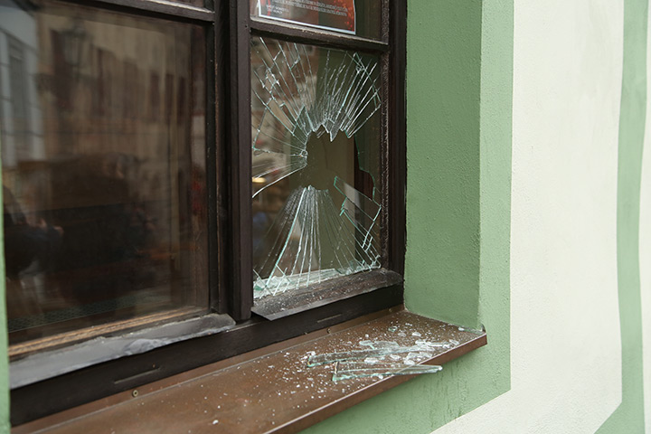 A2B Glass are able to board up broken windows while they are being repaired in Hoxton.